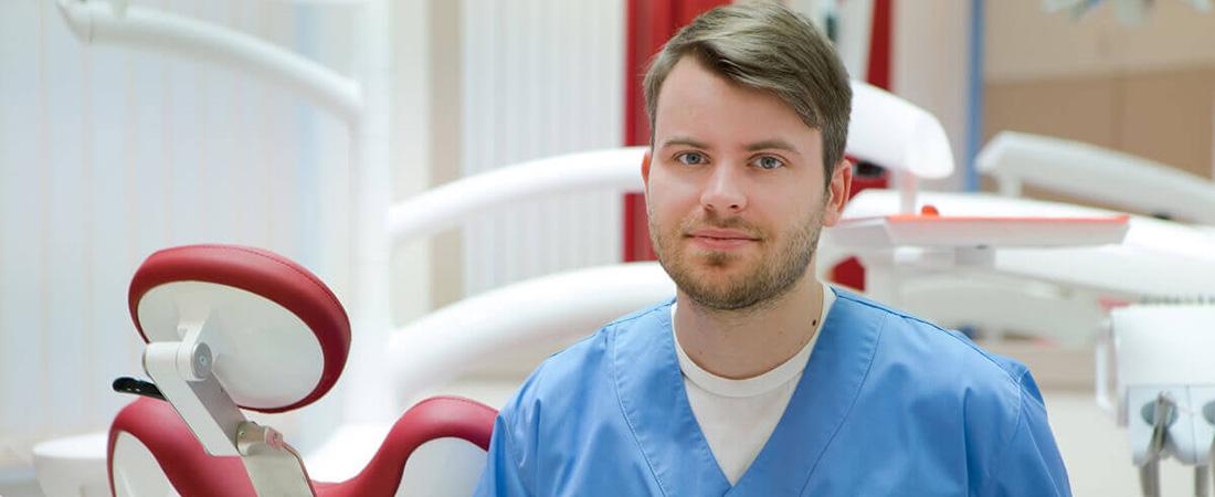 Dr. Alexander Tupicza